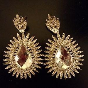 Beautiful teardrop earrings!